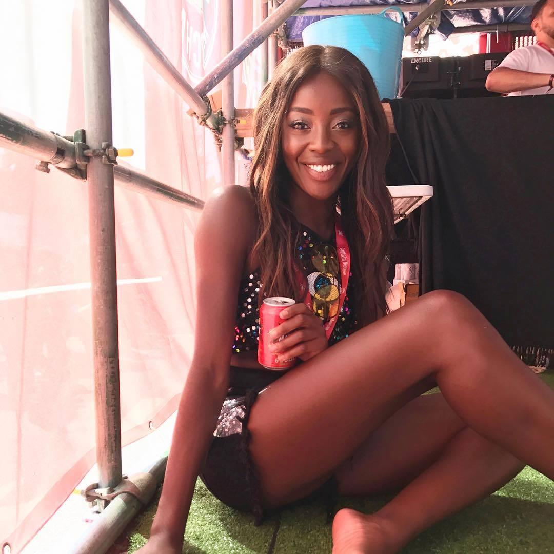 Feet AJ Odudu nude (33 photo), Pussy, Paparazzi, Twitter, cleavage 2006