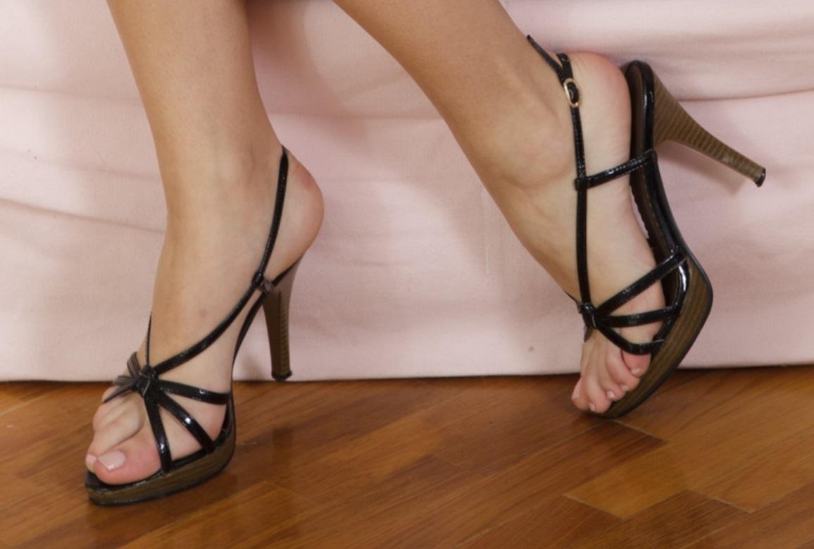 FootFetishFun: Top 10 Most Beautiful Celebrity Feet
