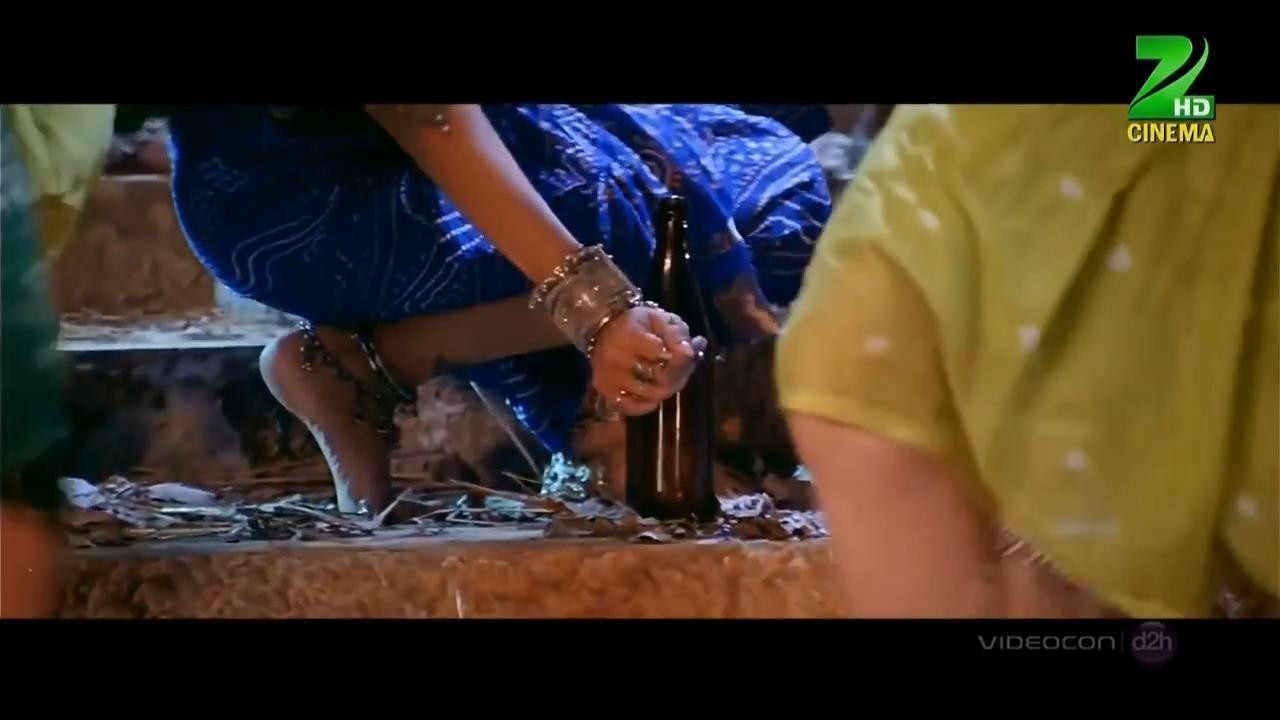 https://pics.wikifeet.com/Aishwarya-Rai-Feet-1768588.jpg
