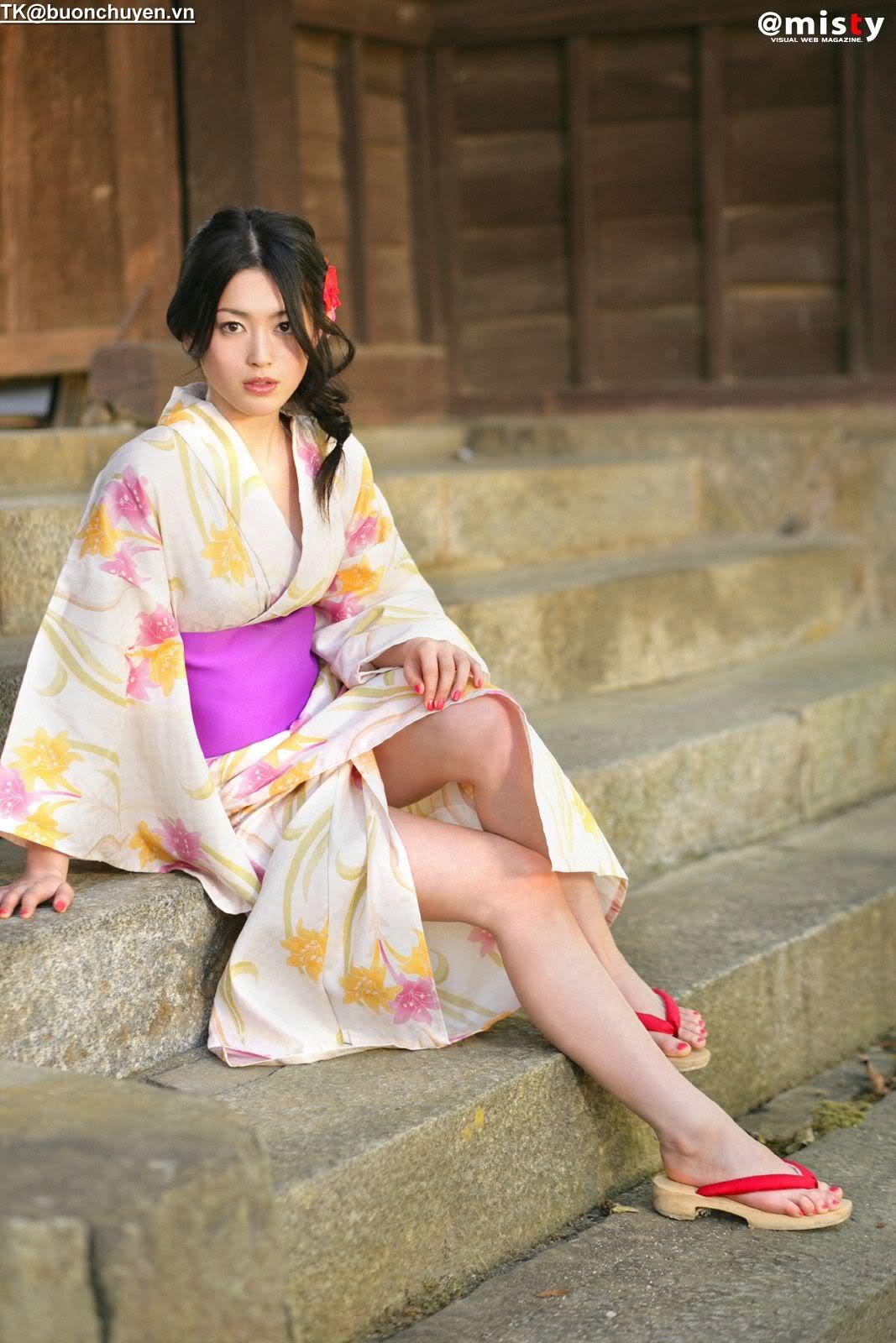 Японки с пятью 4 фотография