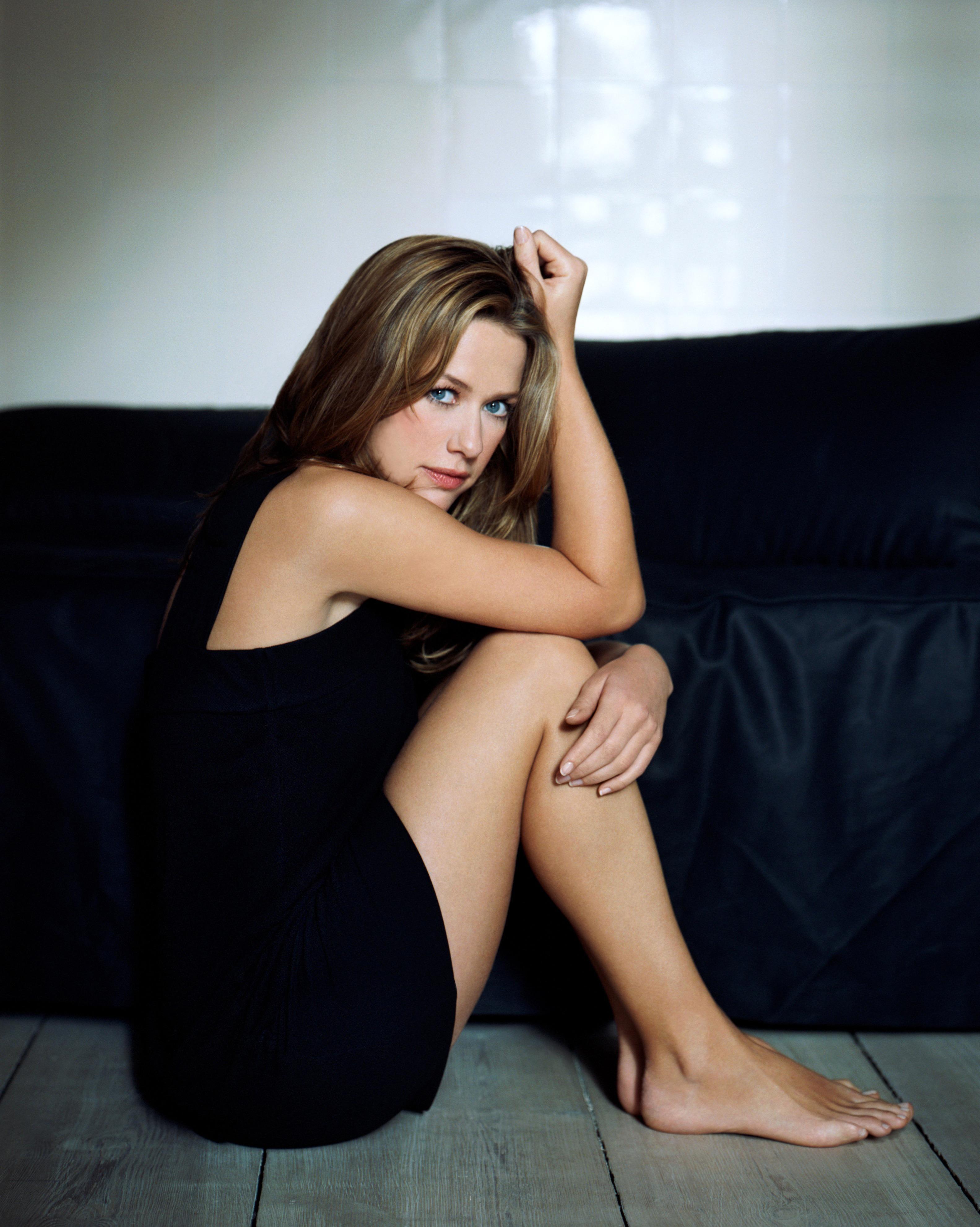 Alexandra Sivroskya picture 33