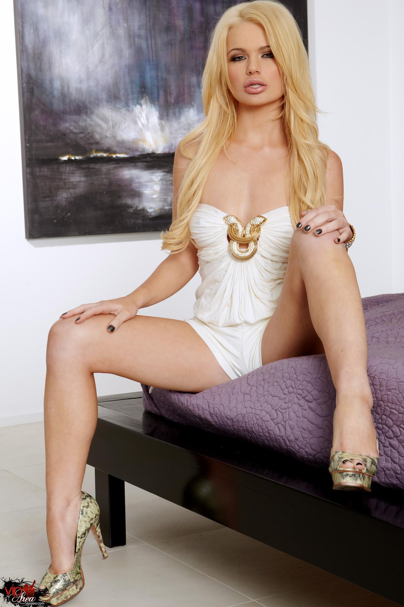 Alexis ford pics