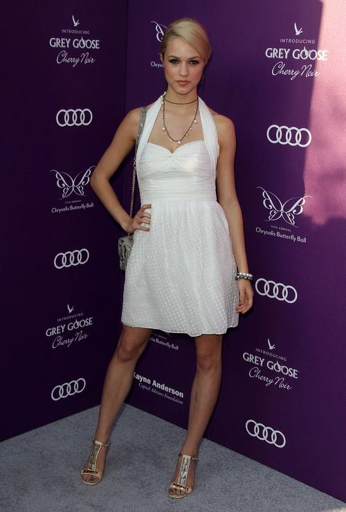 Alexis Knapp Feet