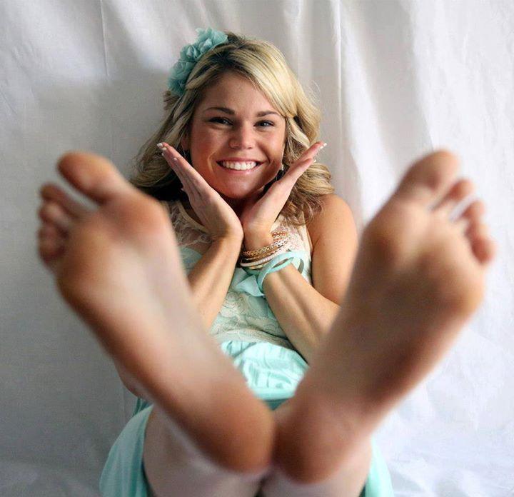 ali froid feet