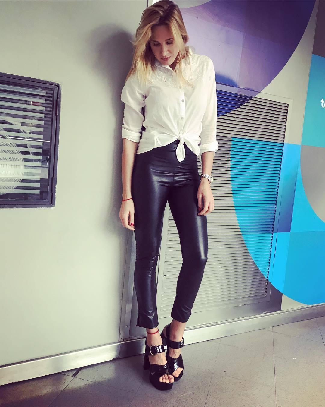 Alina-Moine-Feet-3383078.jpg