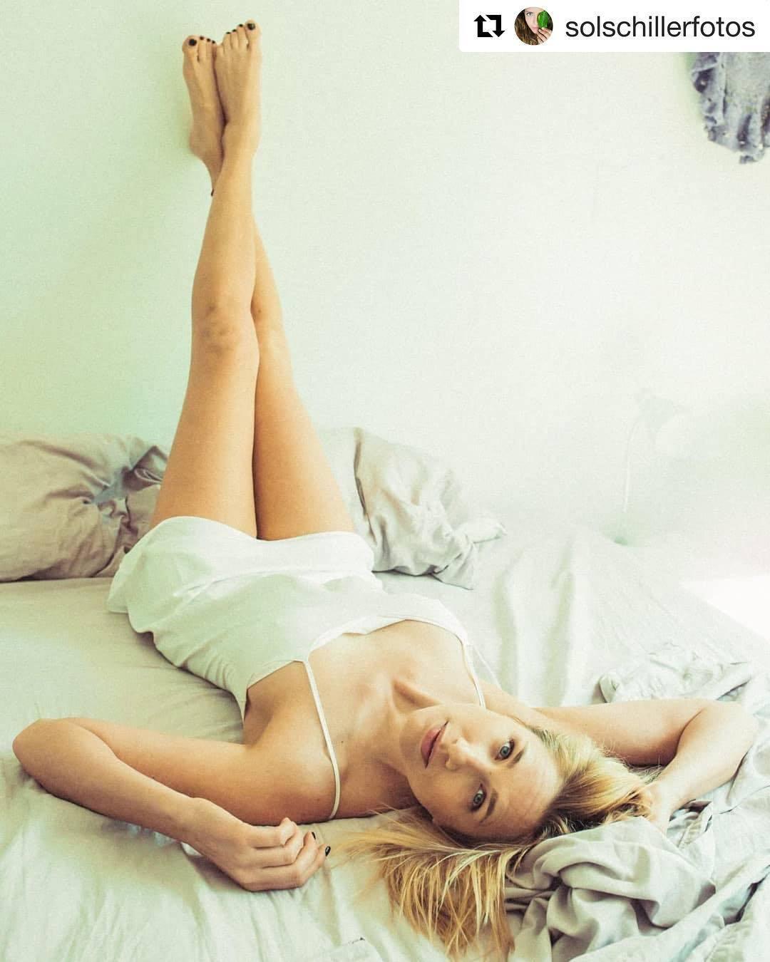 Alina-Moine-Feet-3782249.jpg