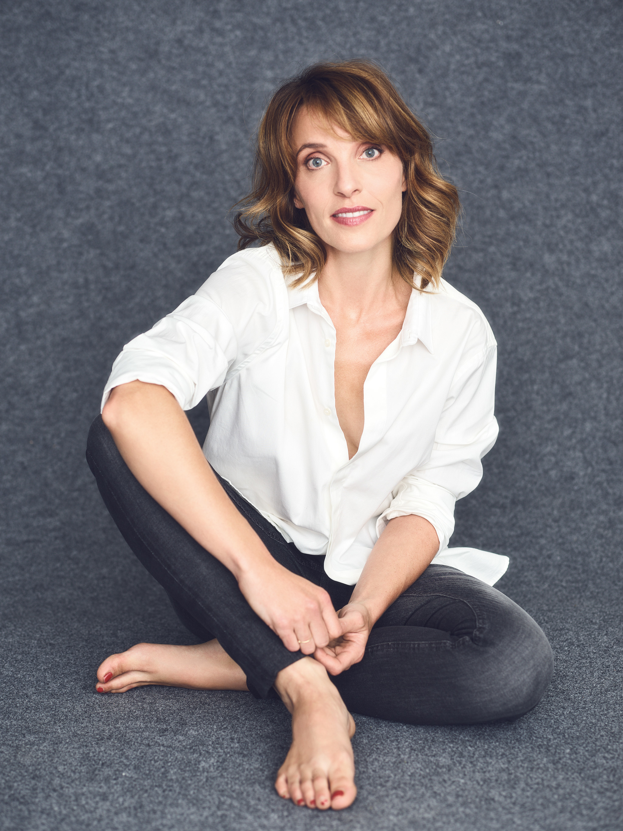 Alix Poisson Nude Photos 35