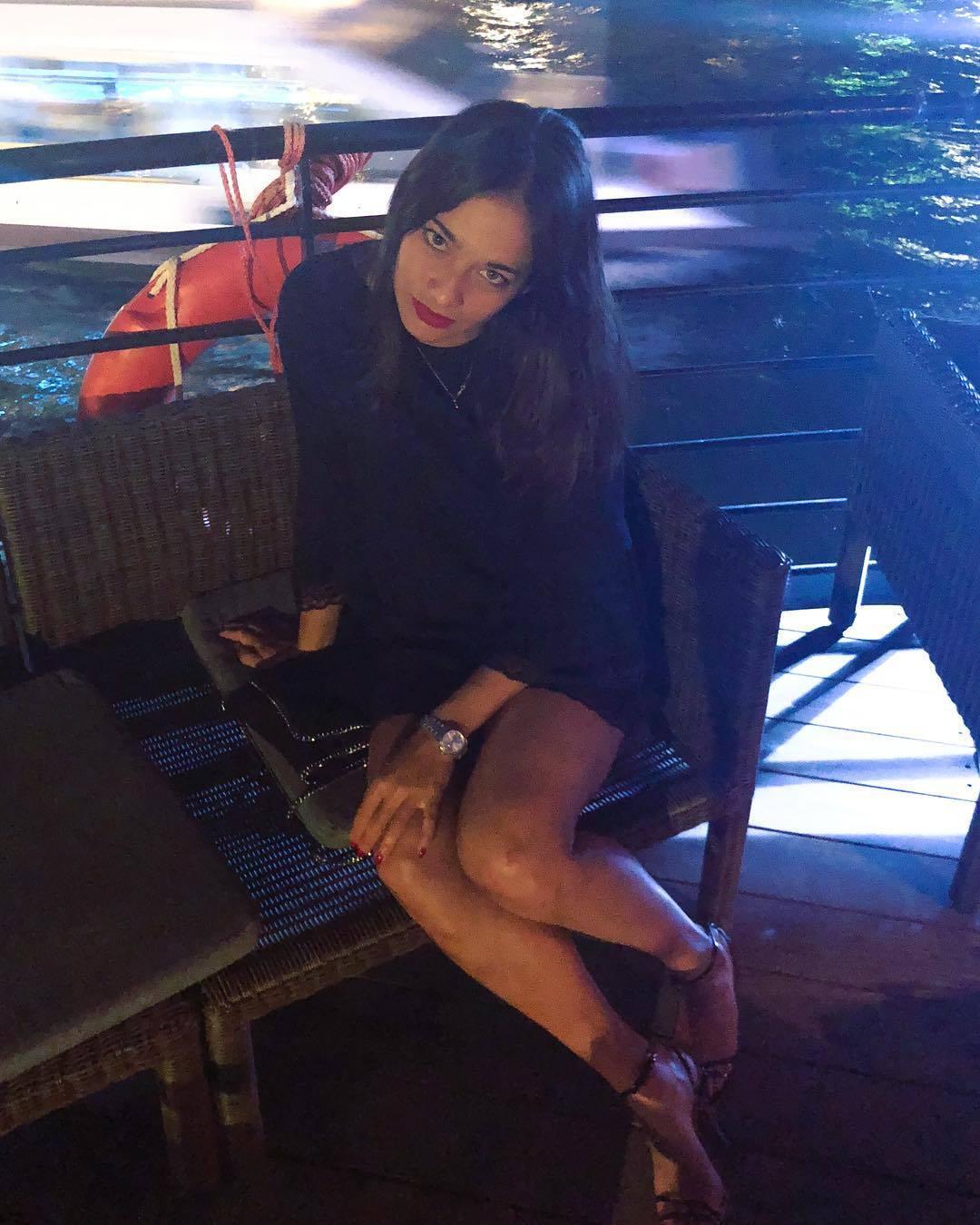 Alize Lim - Page 21 Aliz%C3%A9-Lim-Feet-4455150