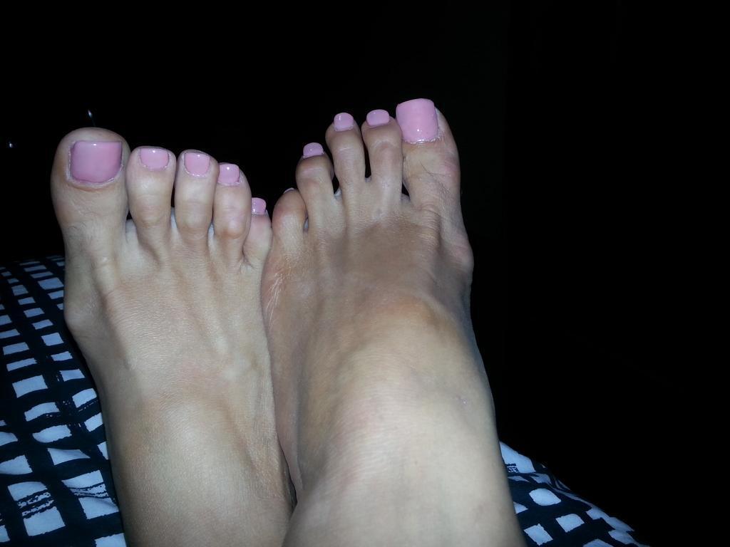 alura jenson feet