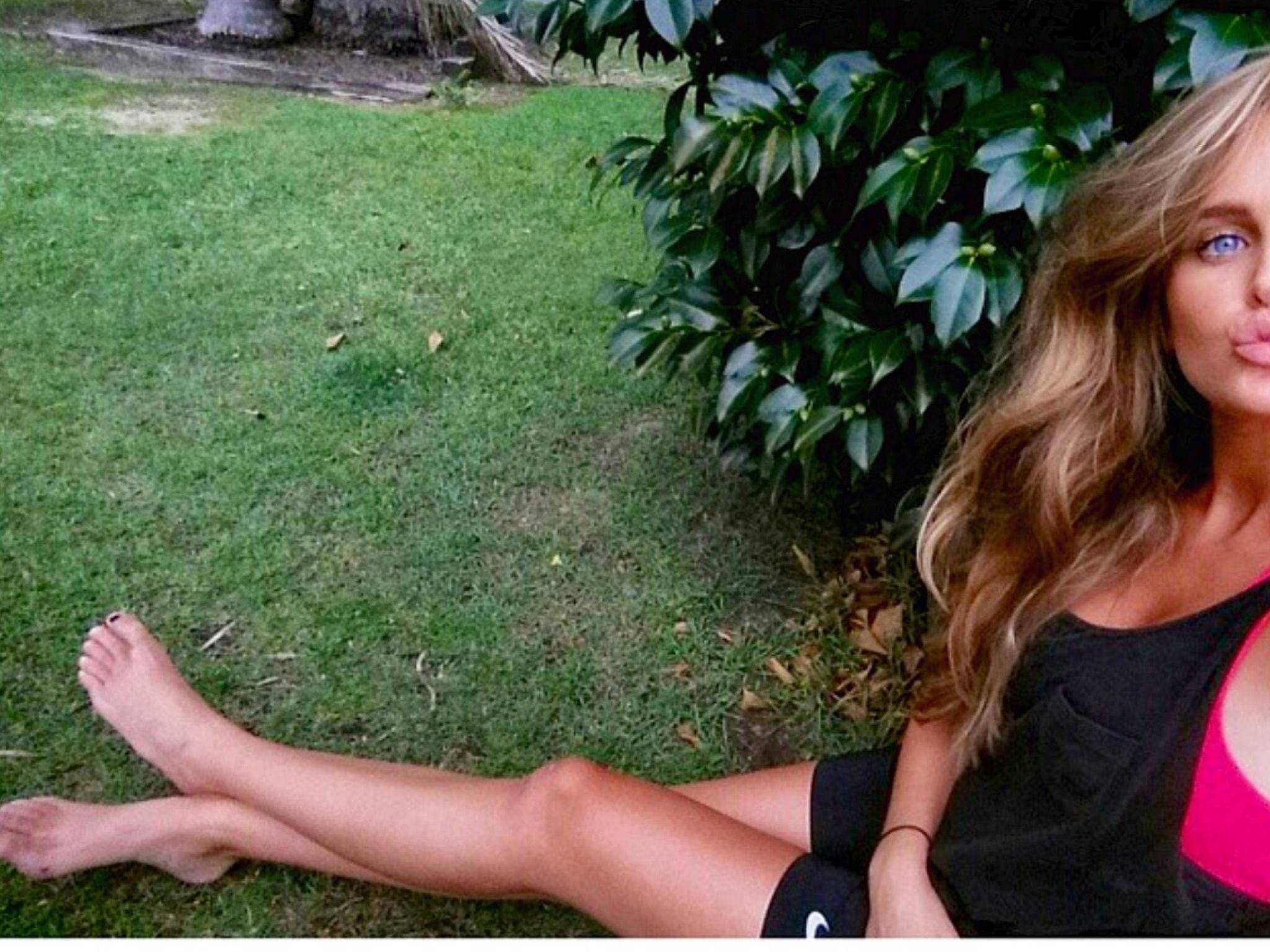 Boobs Feet Alyce Crawford  naked (98 fotos), Twitter, braless