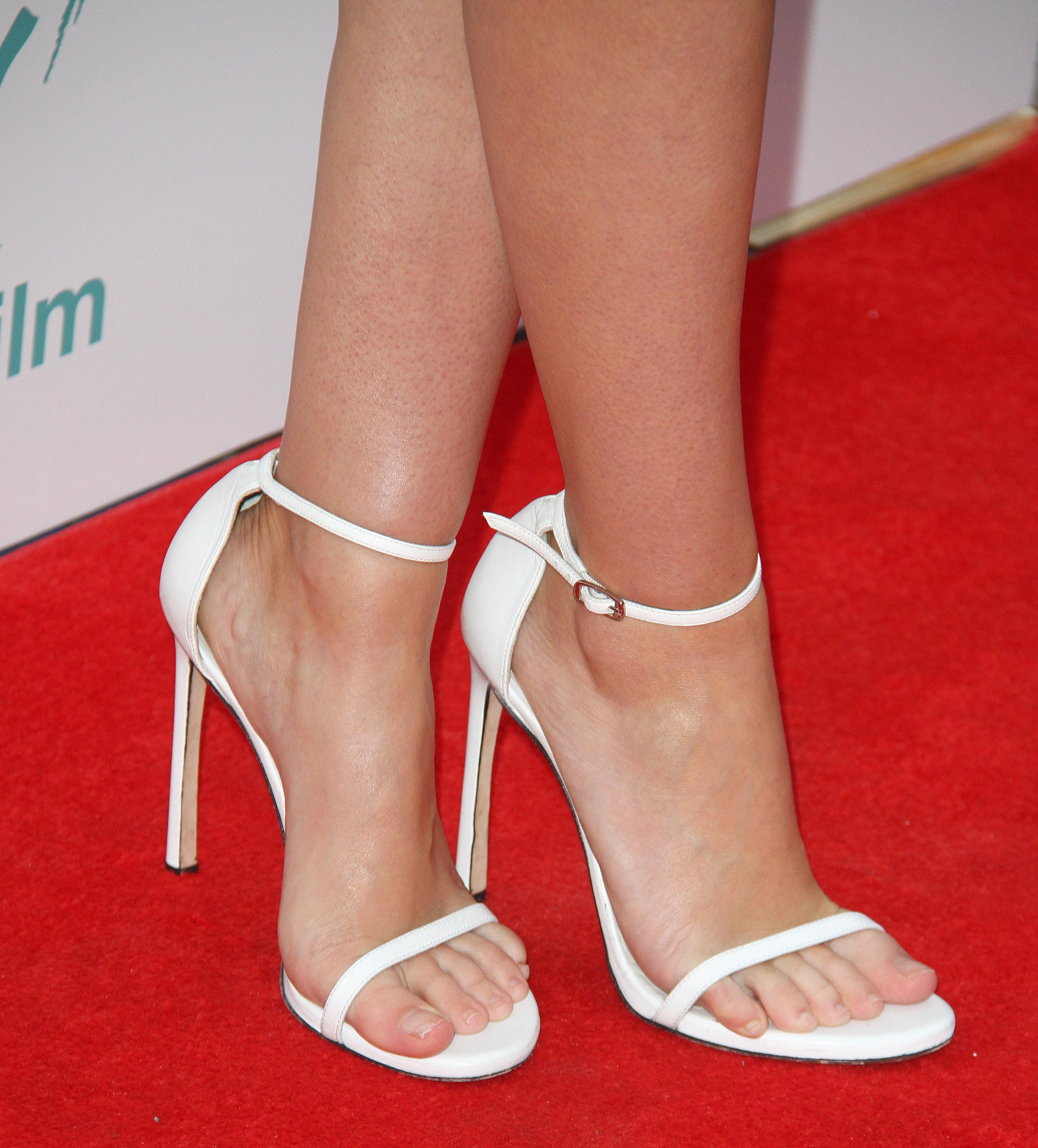 sexy feet girl