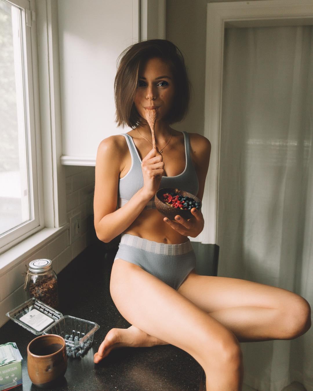 Alyssa Lynch Nude Photos 78