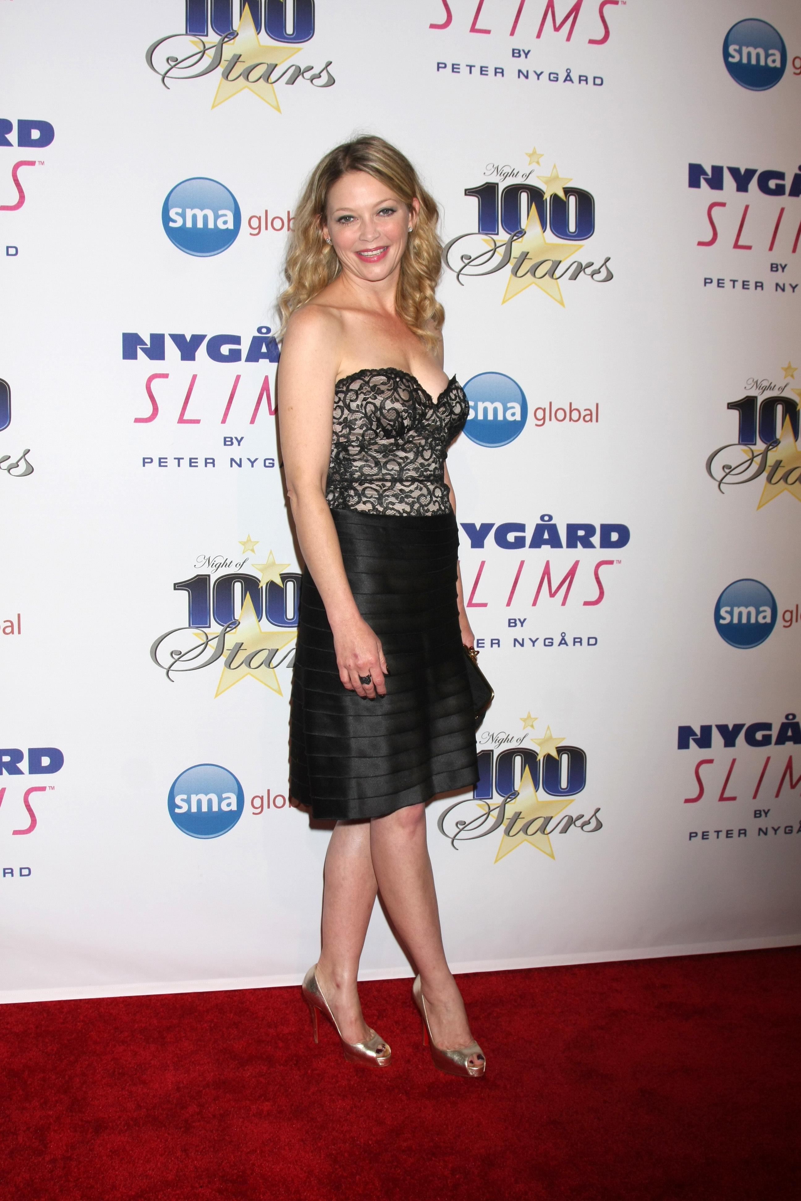 Amanda Detmer Wiki amanda detmer's feet << wikifeet