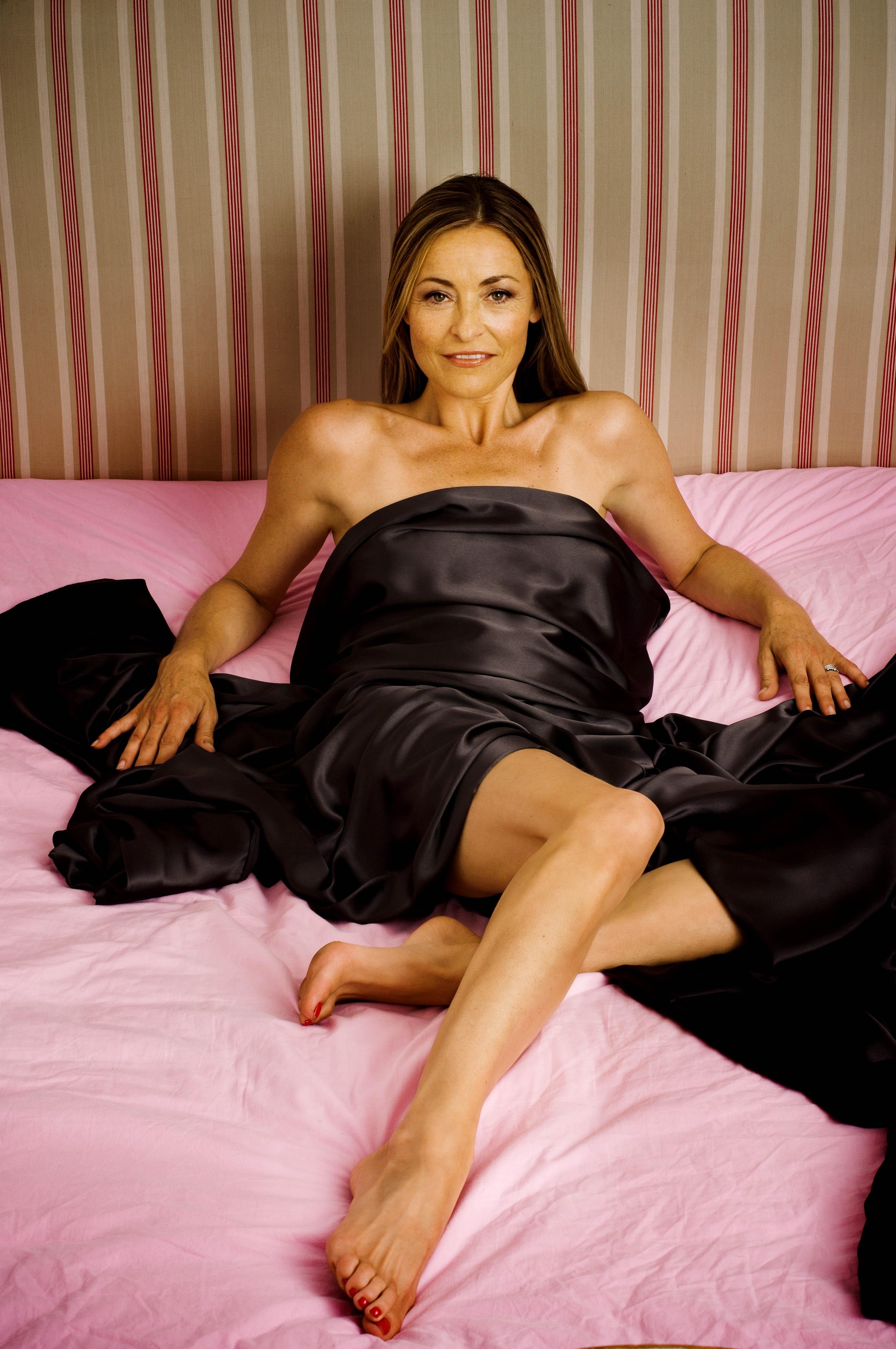 Amanda Donohoe Pics amanda donohoe's feet << wikifeet