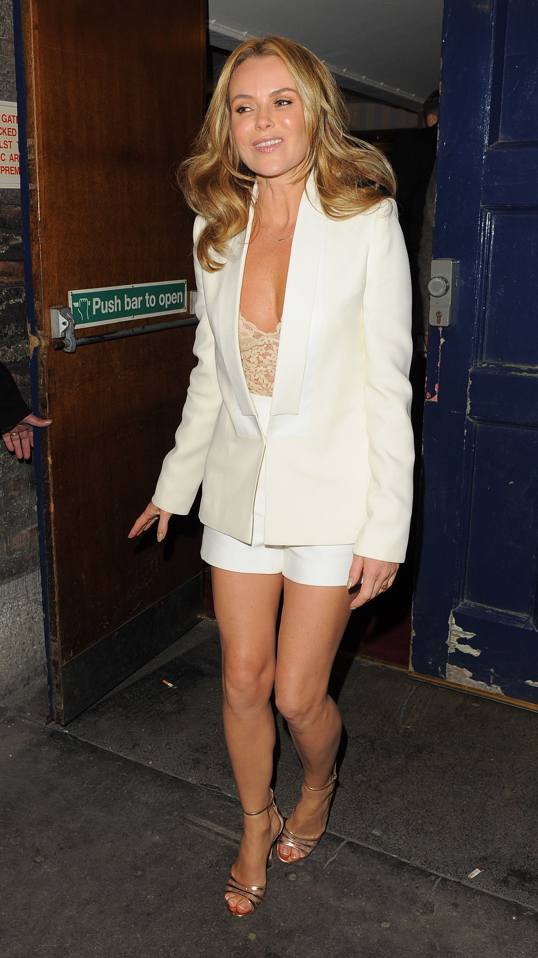 Feet Amanda Holden nude (82 pictures) Tits, Twitter, braless