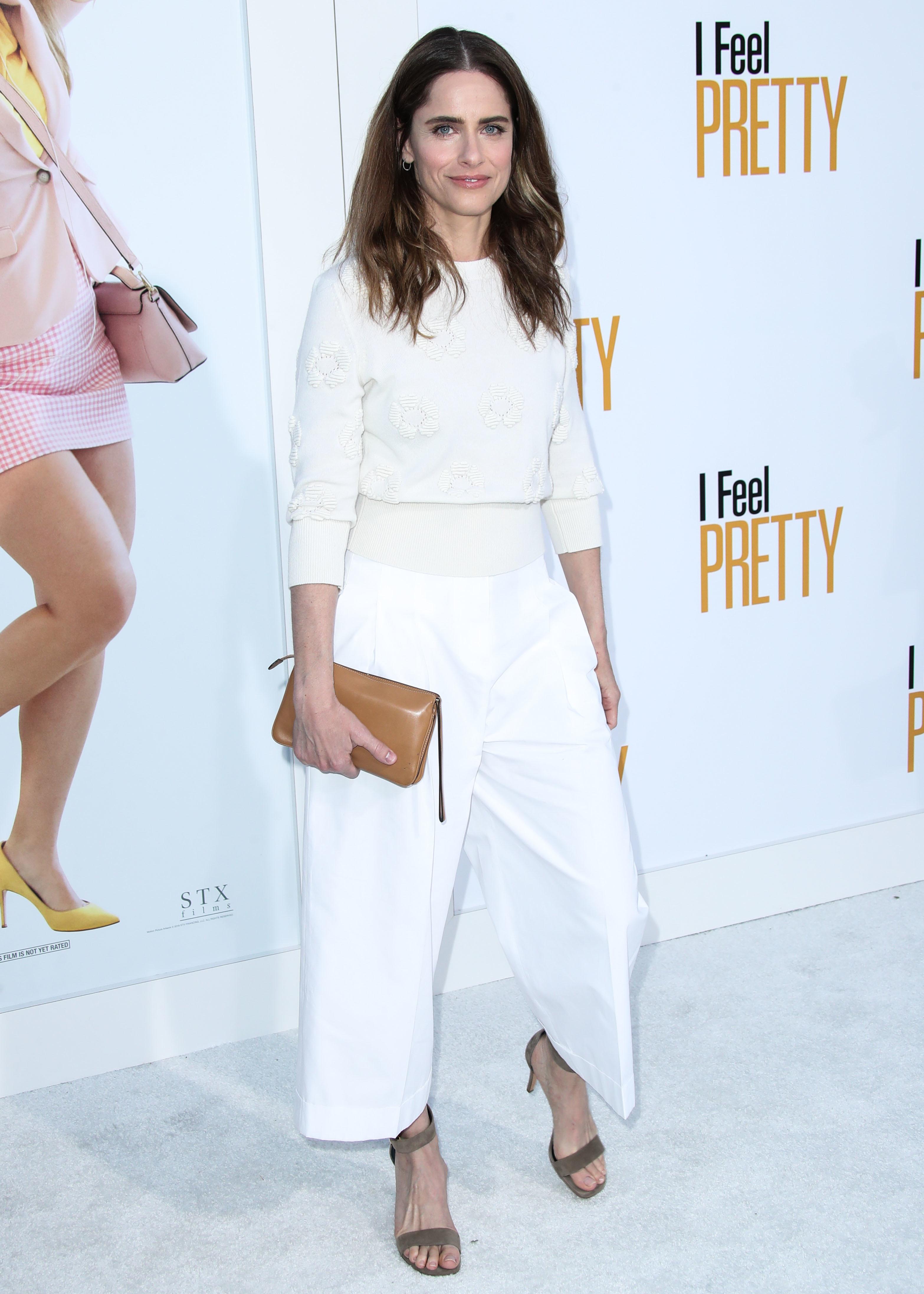 Amanda Peet Hot Pictures amanda peet's feet << wikifeet