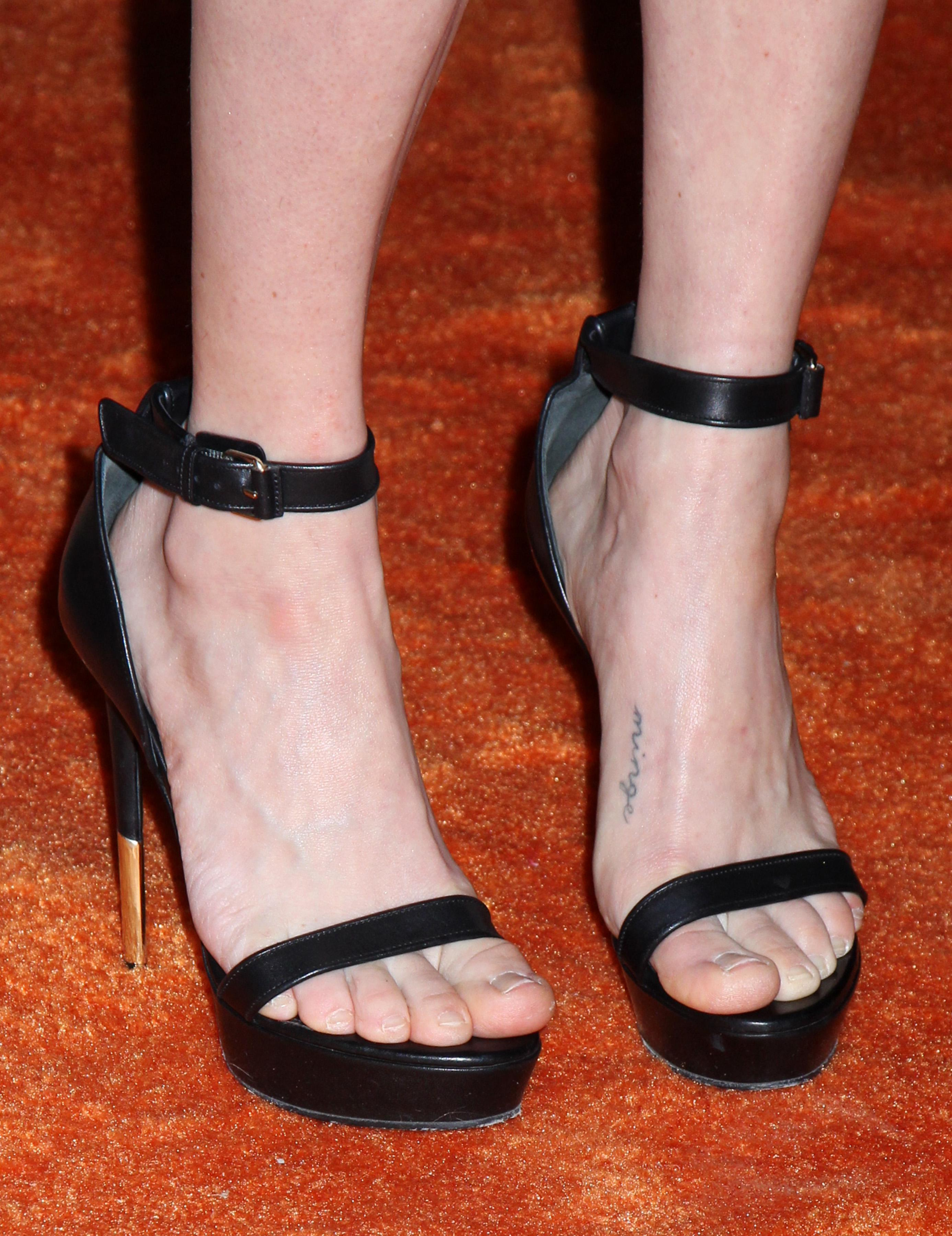 James feet lily 50+ Lily
