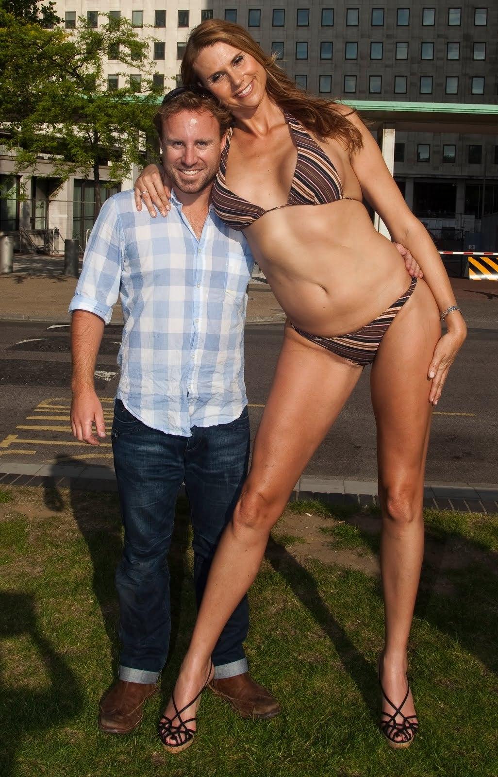 "Amazon ""Babezilla"" Eve, la modelo mas alta del mundo"