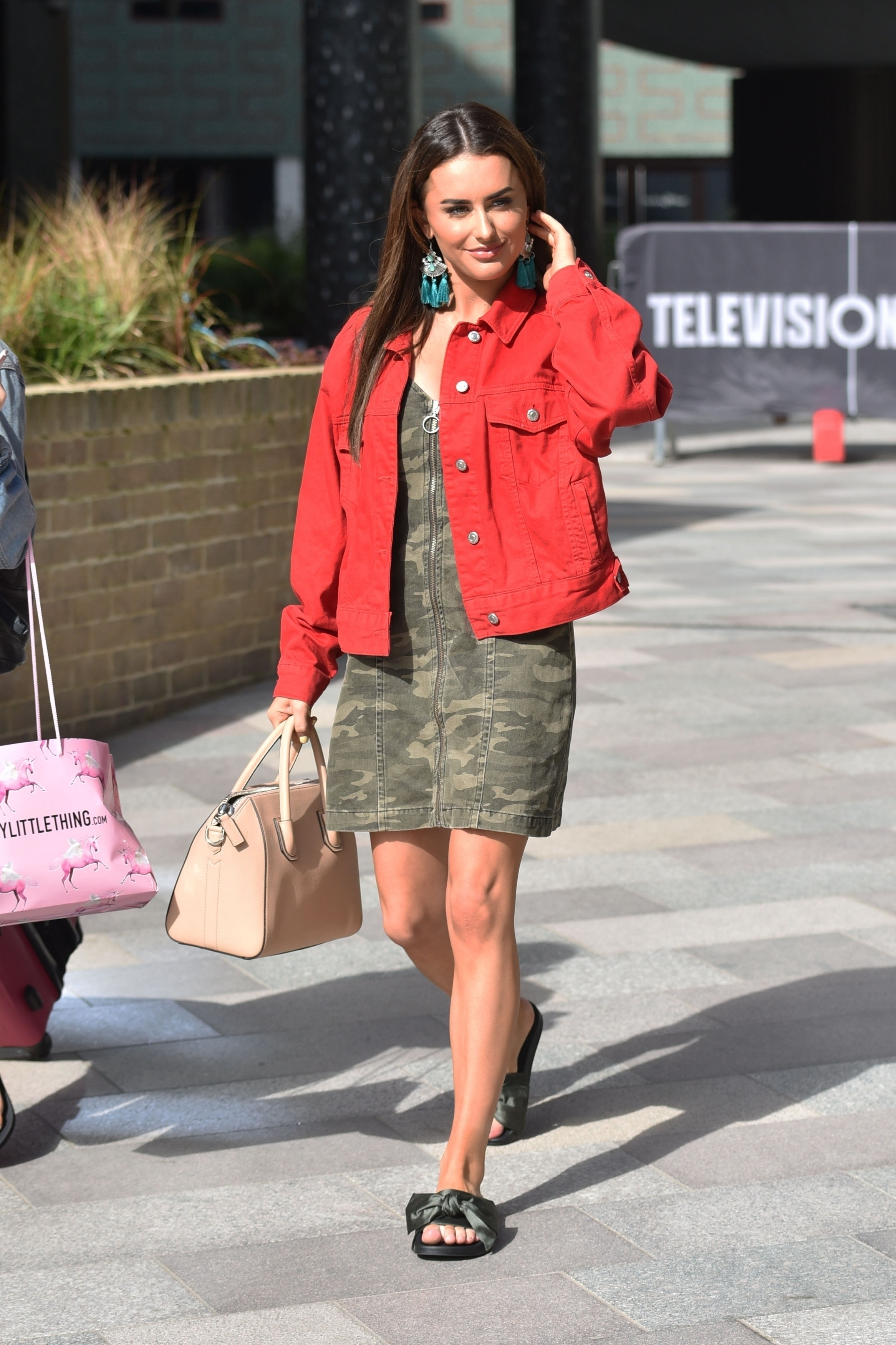 Feet Amber Davies naked (12 photos), Topless, Fappening, Feet, swimsuit 2015
