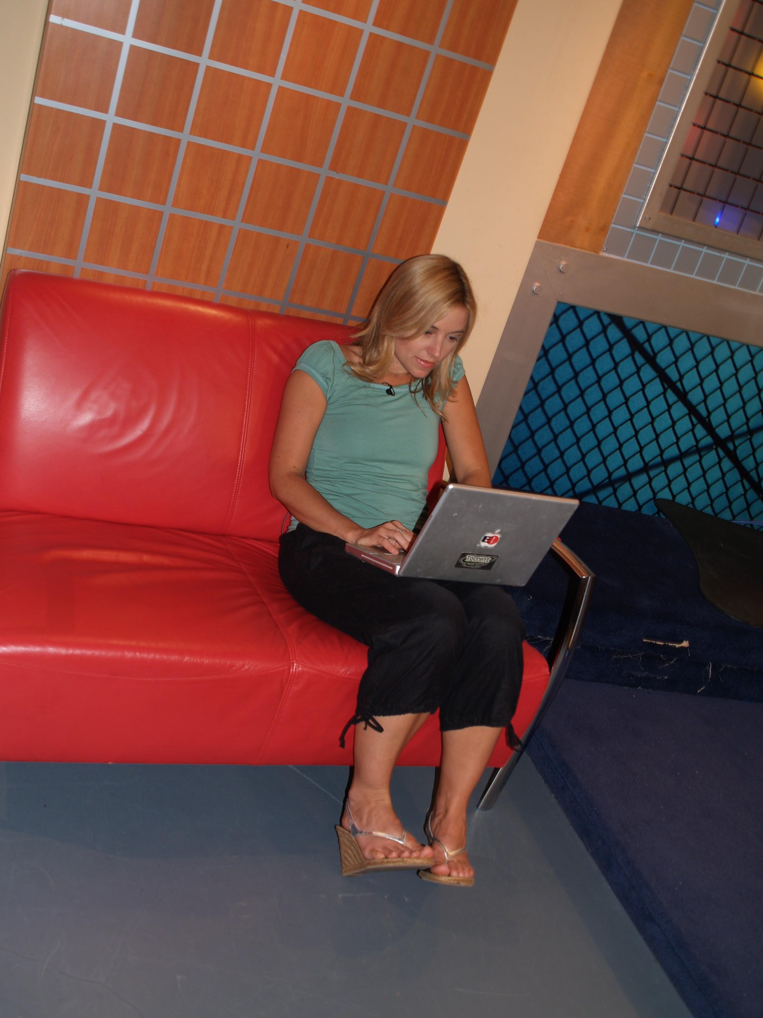 Amber MacArthur's Feet