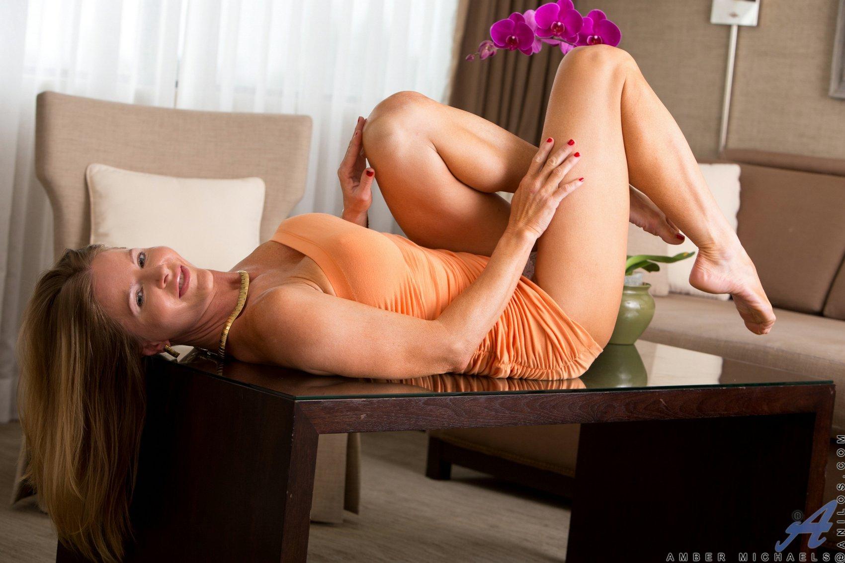 Amber Michaels Images amber michaels's feet << wikifeet x