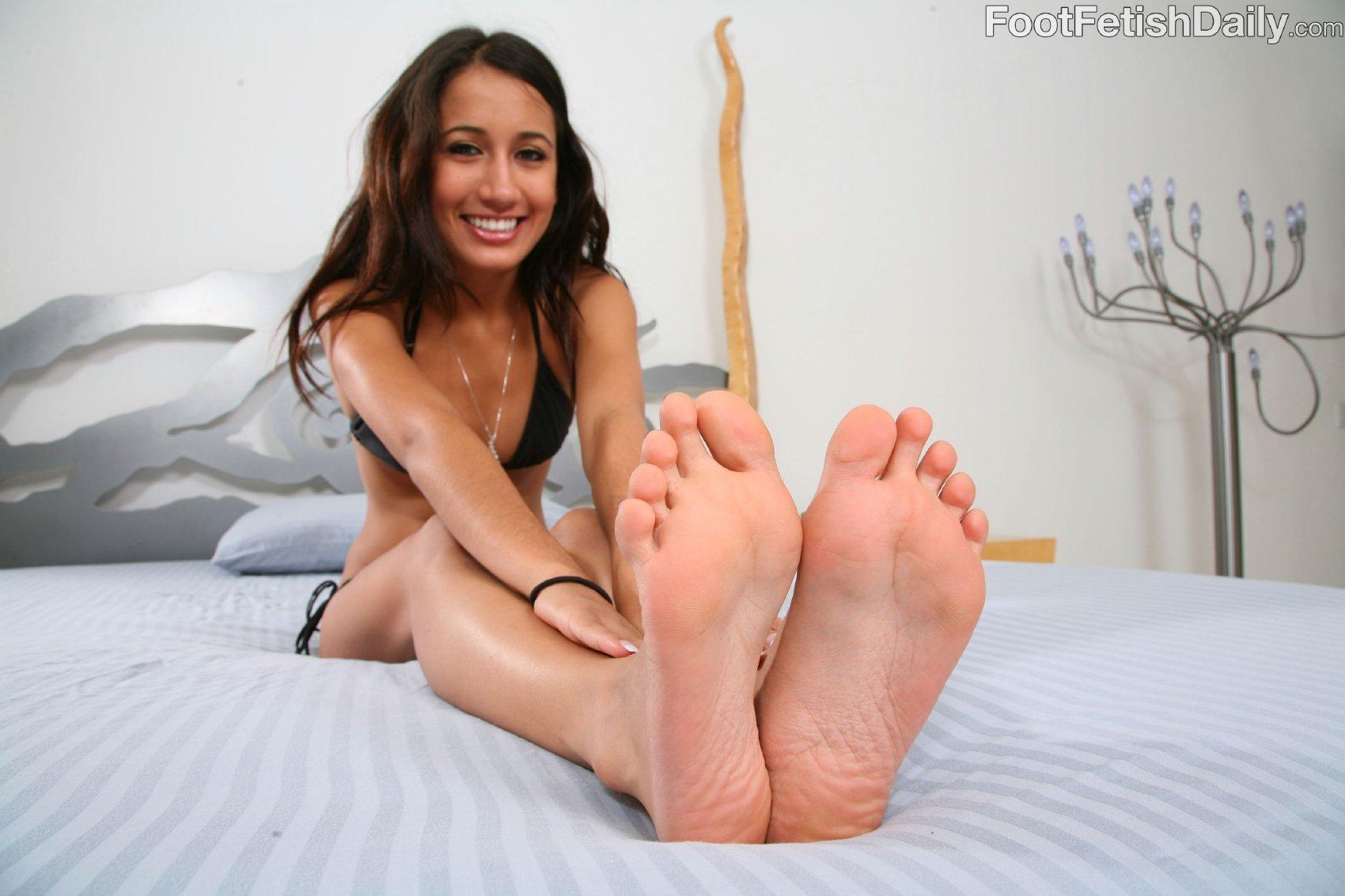 amia moretti s feet