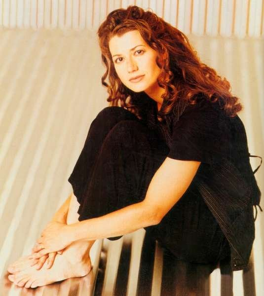 https://pics.wikifeet.com/Amy-Grant-Feet-228896.jpg