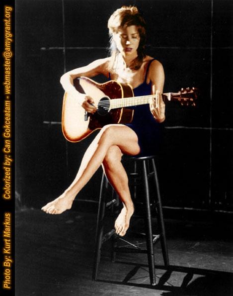 https://pics.wikifeet.com/Amy-Grant-Feet-795905.jpg