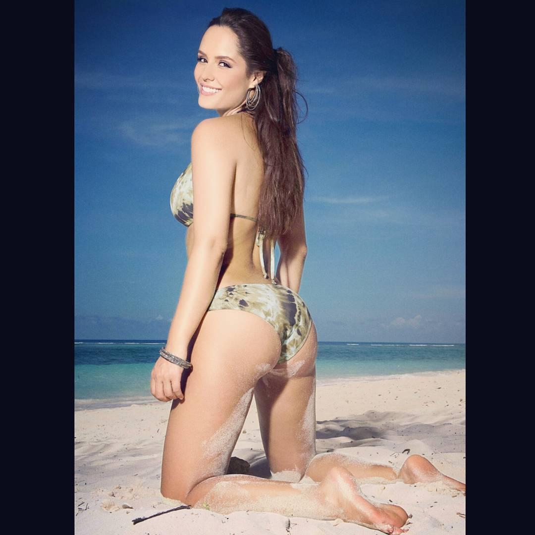 Ana Lucia Dominguez En Tanga ana lucía domínguez's feet << wikifeet
