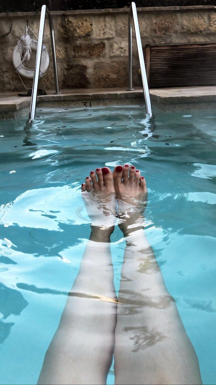 Andrea Osvárt Sexy andrea osvárt's feet << wikifeet