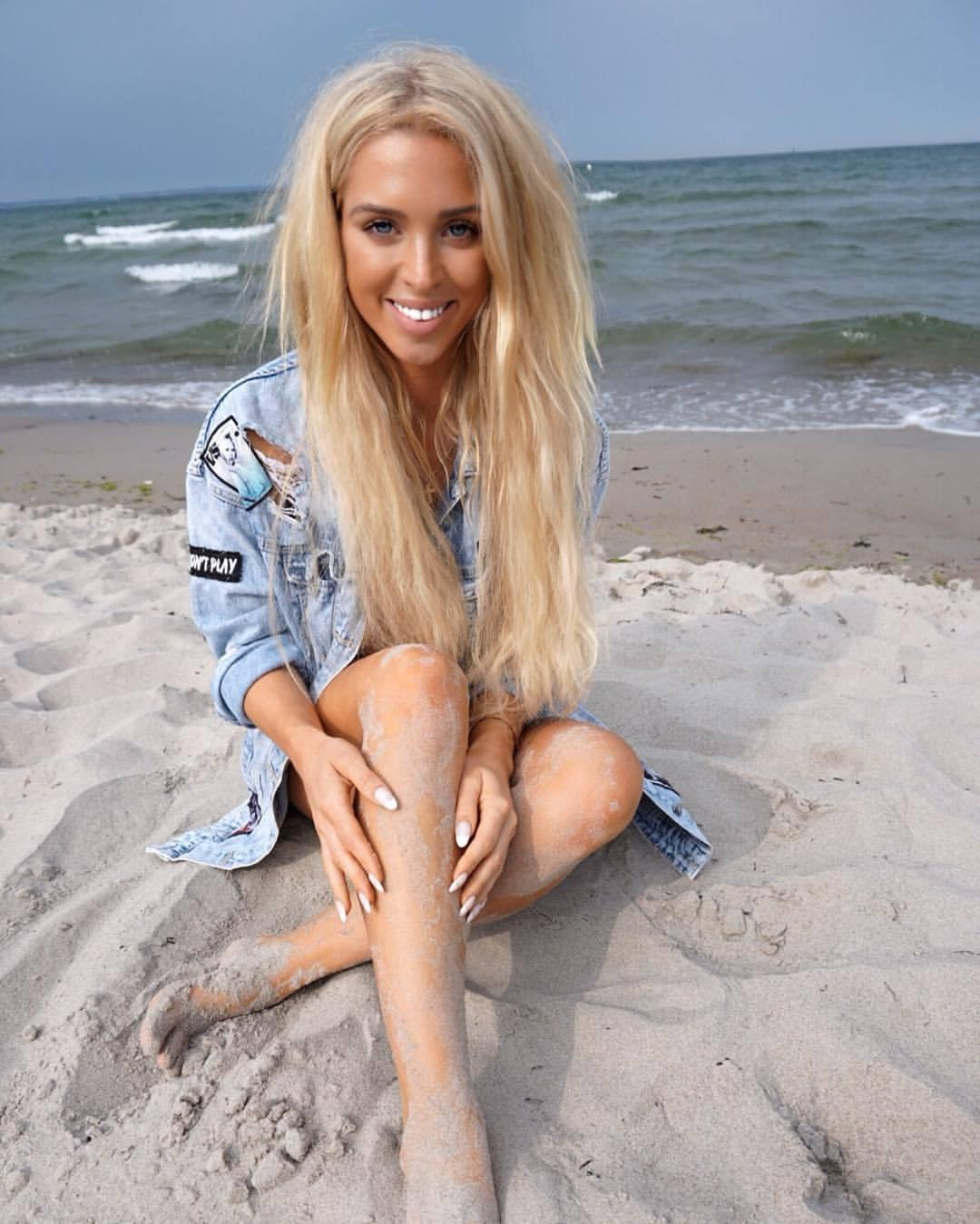 Feet Aneta Sablik nudes (16 foto and video), Topless, Bikini, Selfie, see through 2015