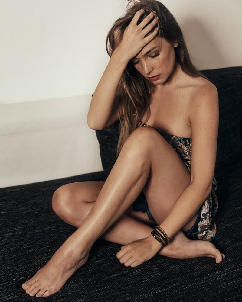 Angele Vivier Nue angèle vivier's feet << wikifeet