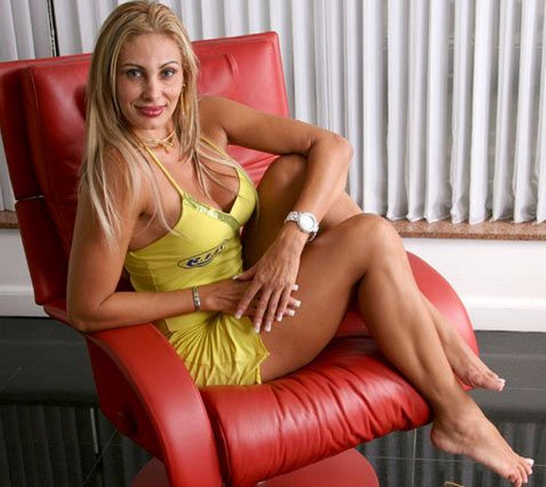 Angela Bismarchi angela bismarchi's feet << wikifeet