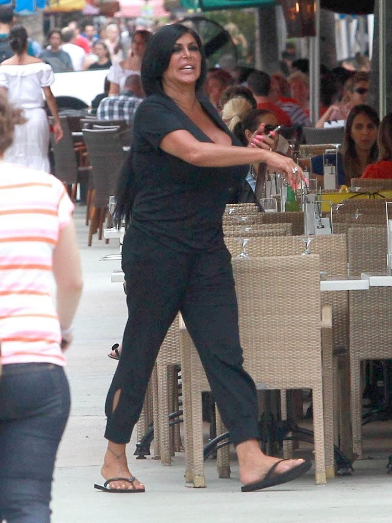 Angela Raiola Wikipedia angela raiola's feet << wikifeet