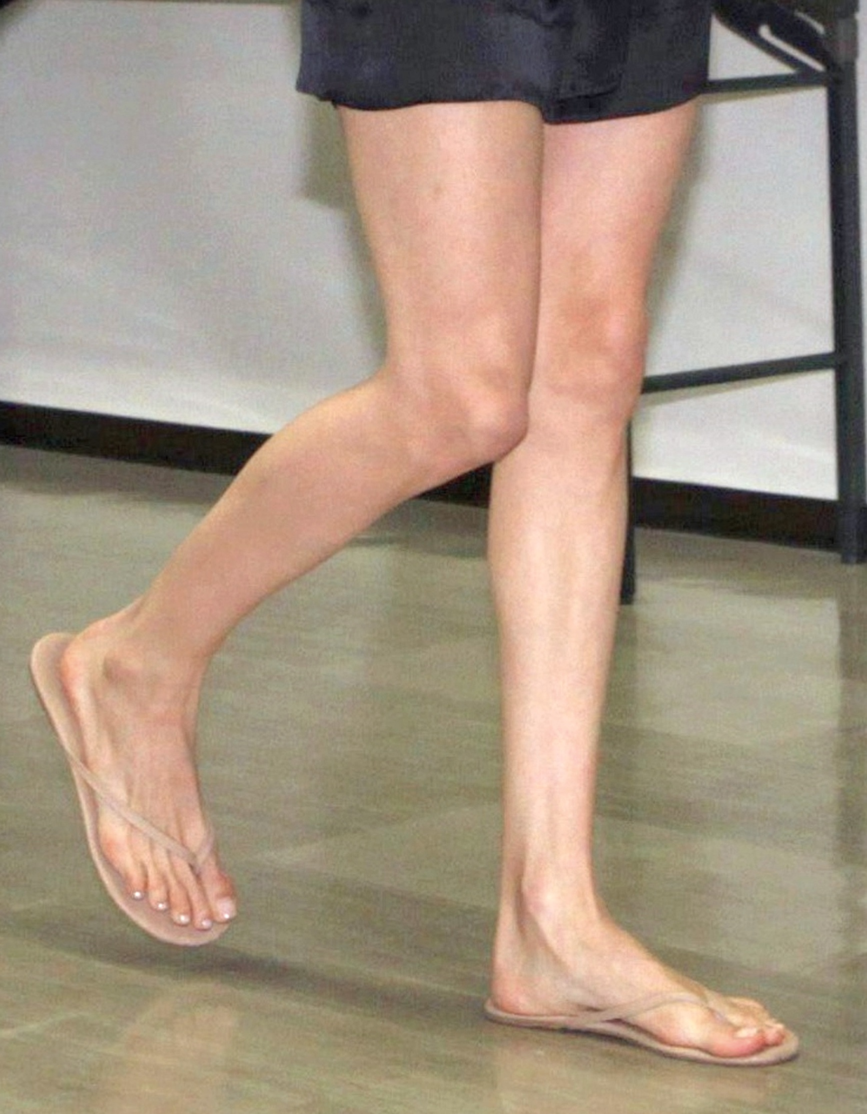 angelina jolie's feet << wikifeet