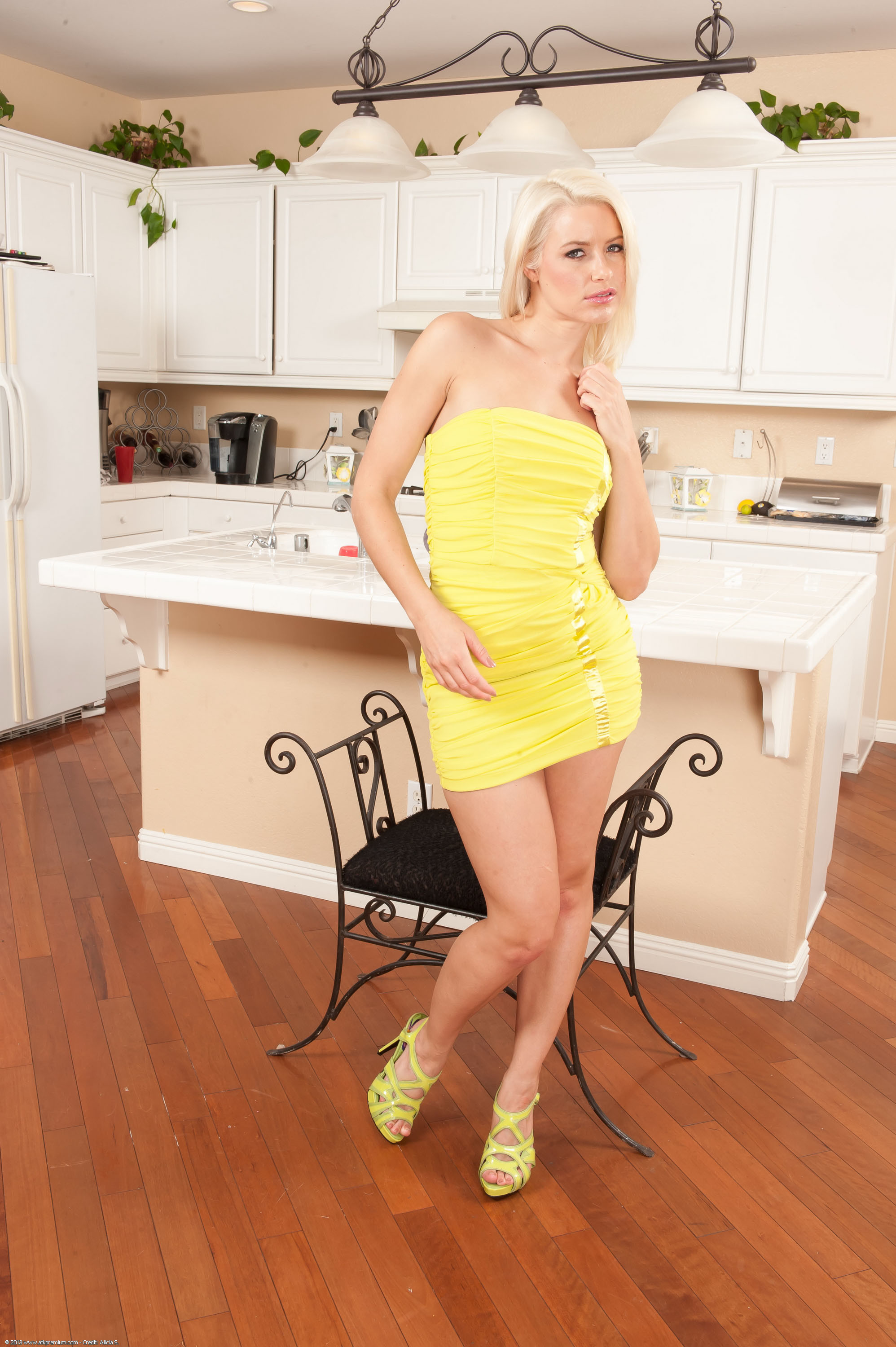 Pin by photo gallery on Anikka albrite | Pinterest