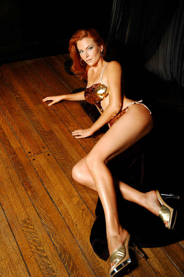 Red hair, mile long legs, and beautiful feet, AWESOME!!!: jasna-tour.ru/Anna_Easteden