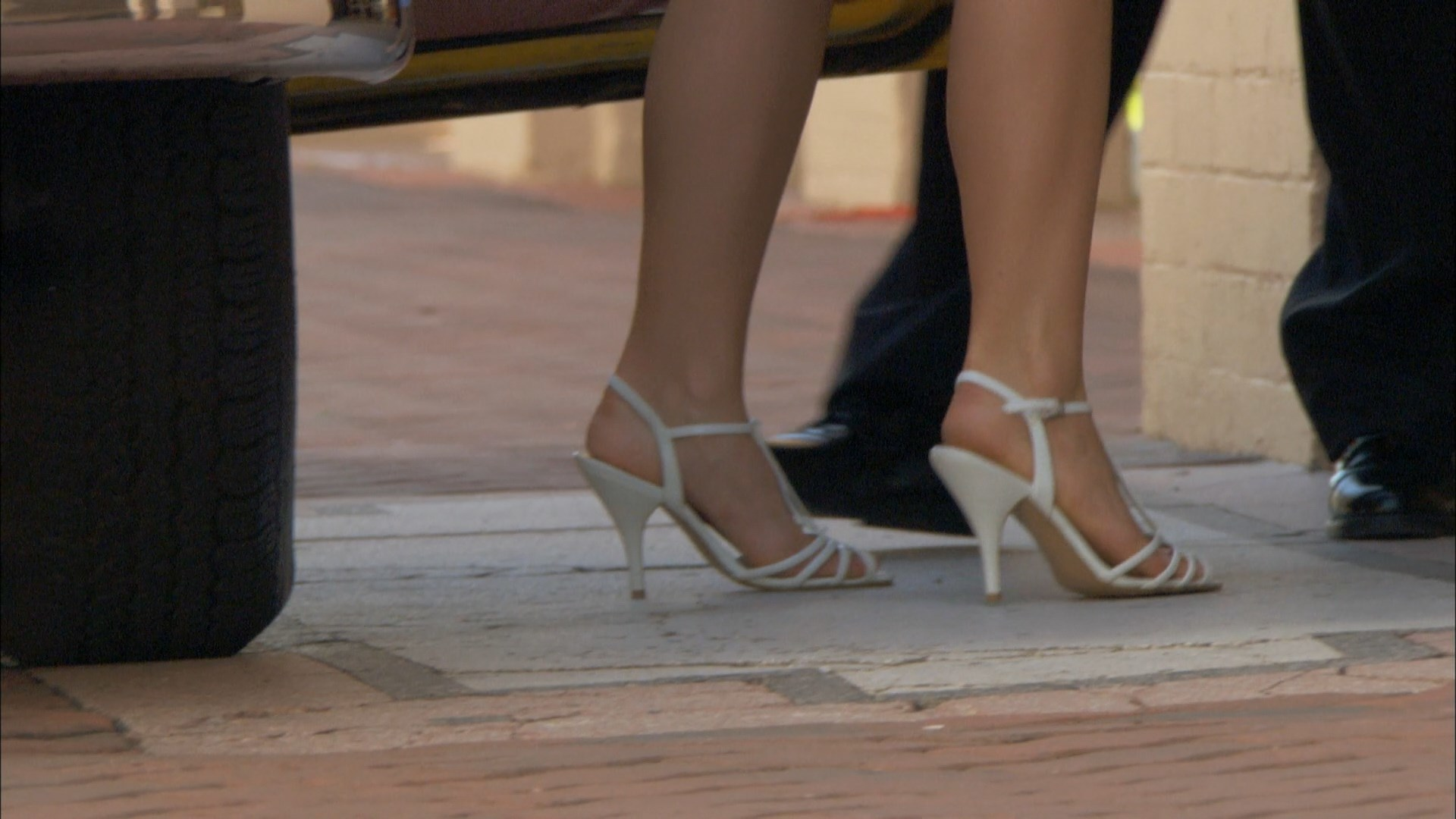 anna hutchison feet
