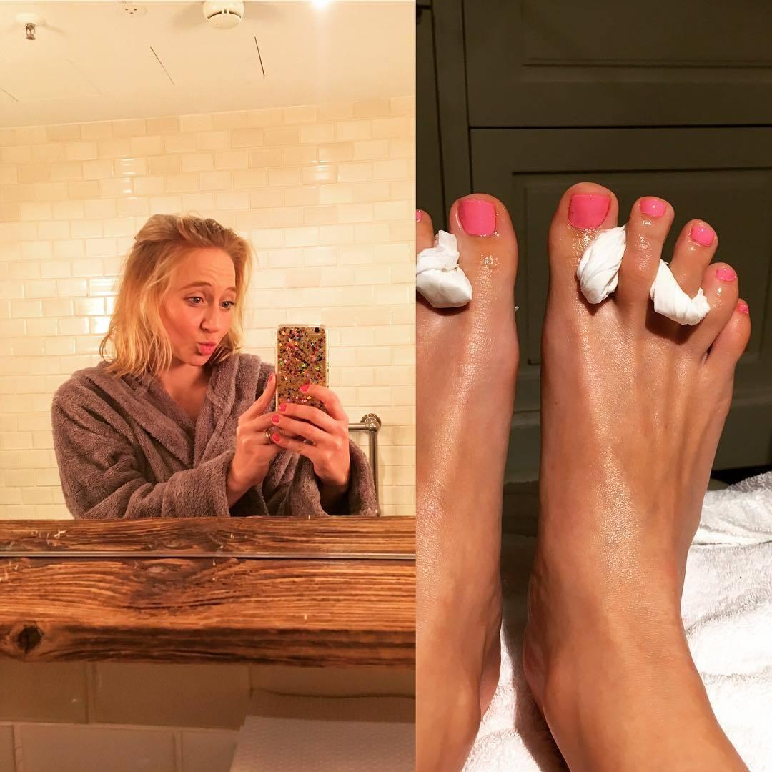 Anna Maria Mühes Feet