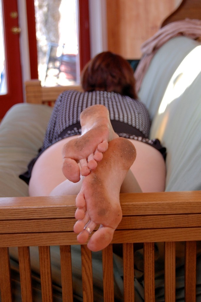 Annabelle flowers feet