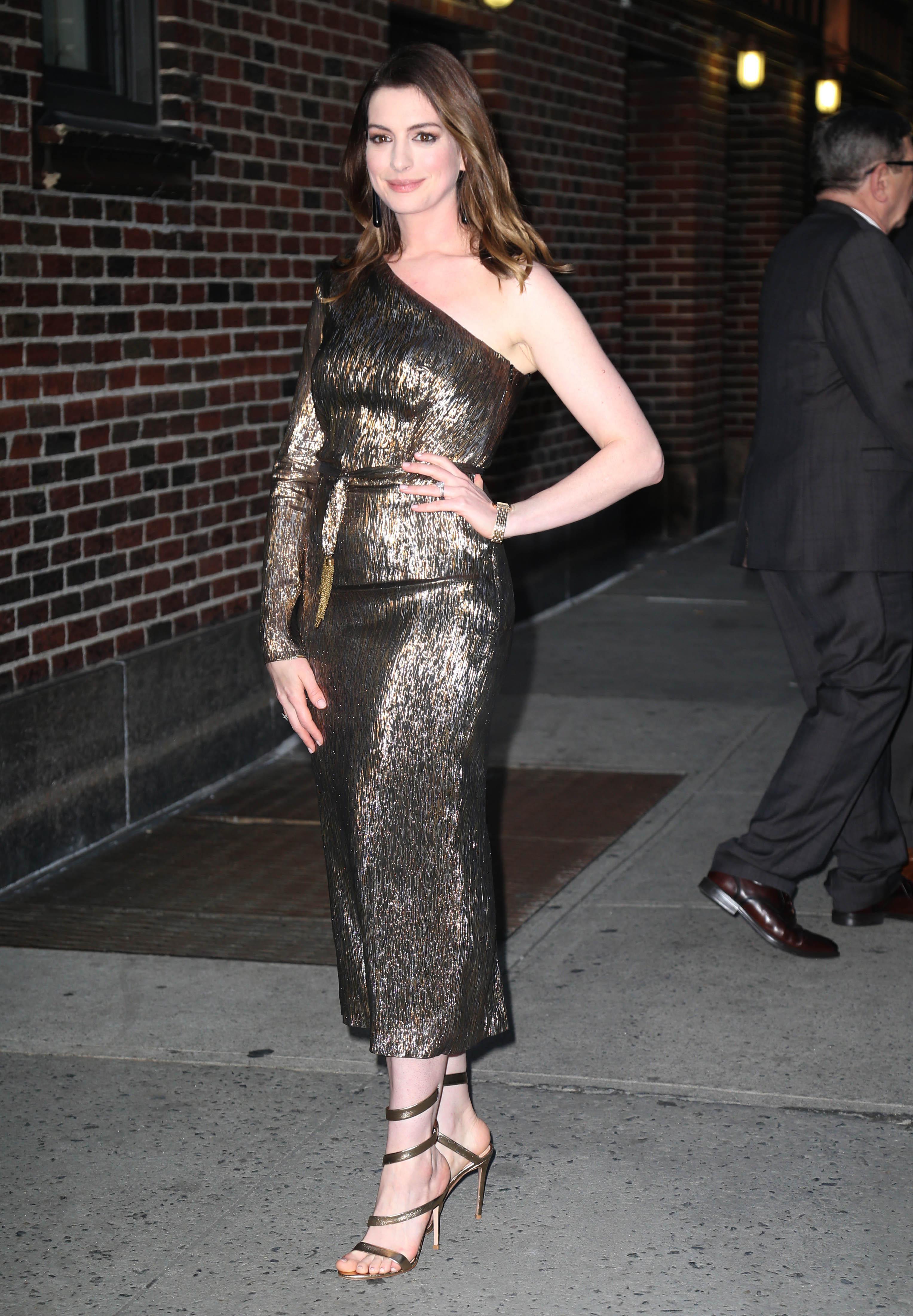 Anne hataway sexy