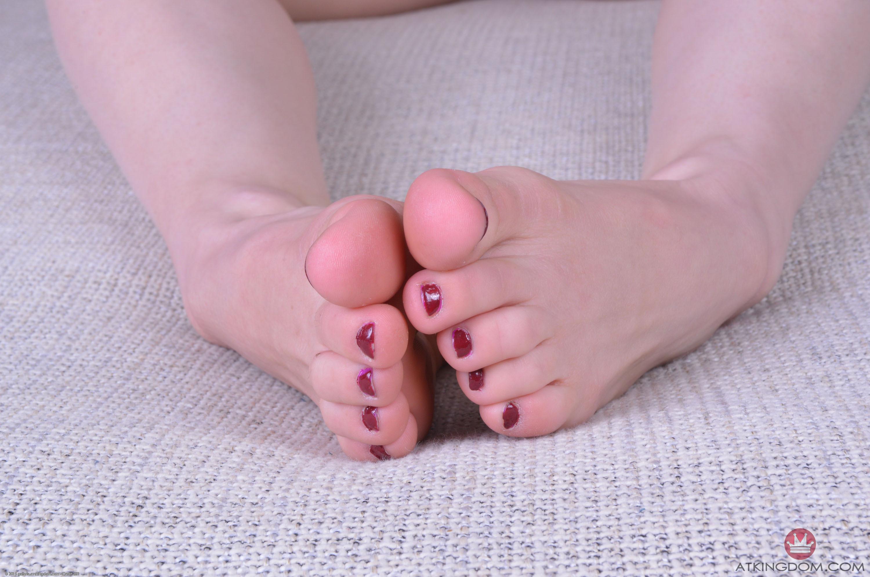 Anya Olsen Feet