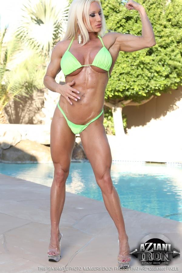Chesty bodybuilder babe Ashton Blake posing naked in high heels № 1041835 без смс