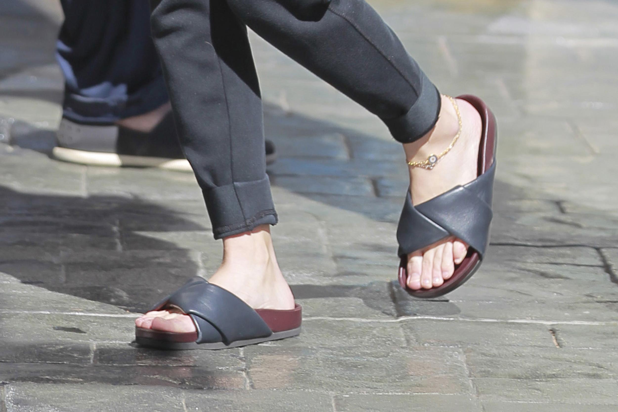 Olsen twins feet fetish regret
