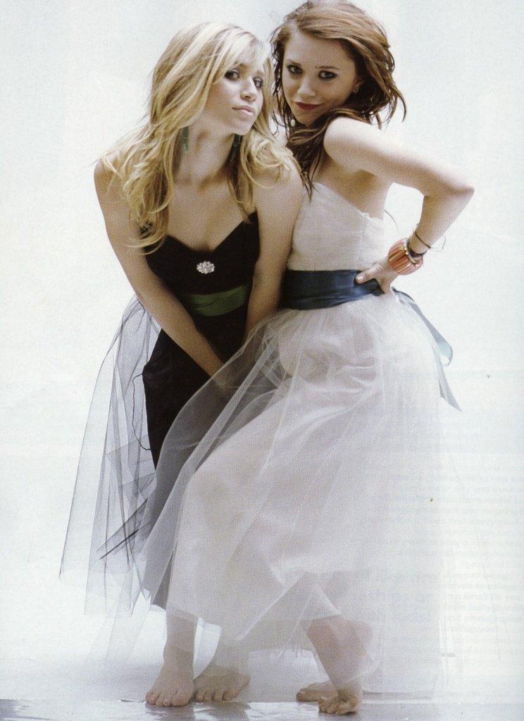 https://pics.wikifeet.com/Ashley-Olsen-Feet-291053.jpg