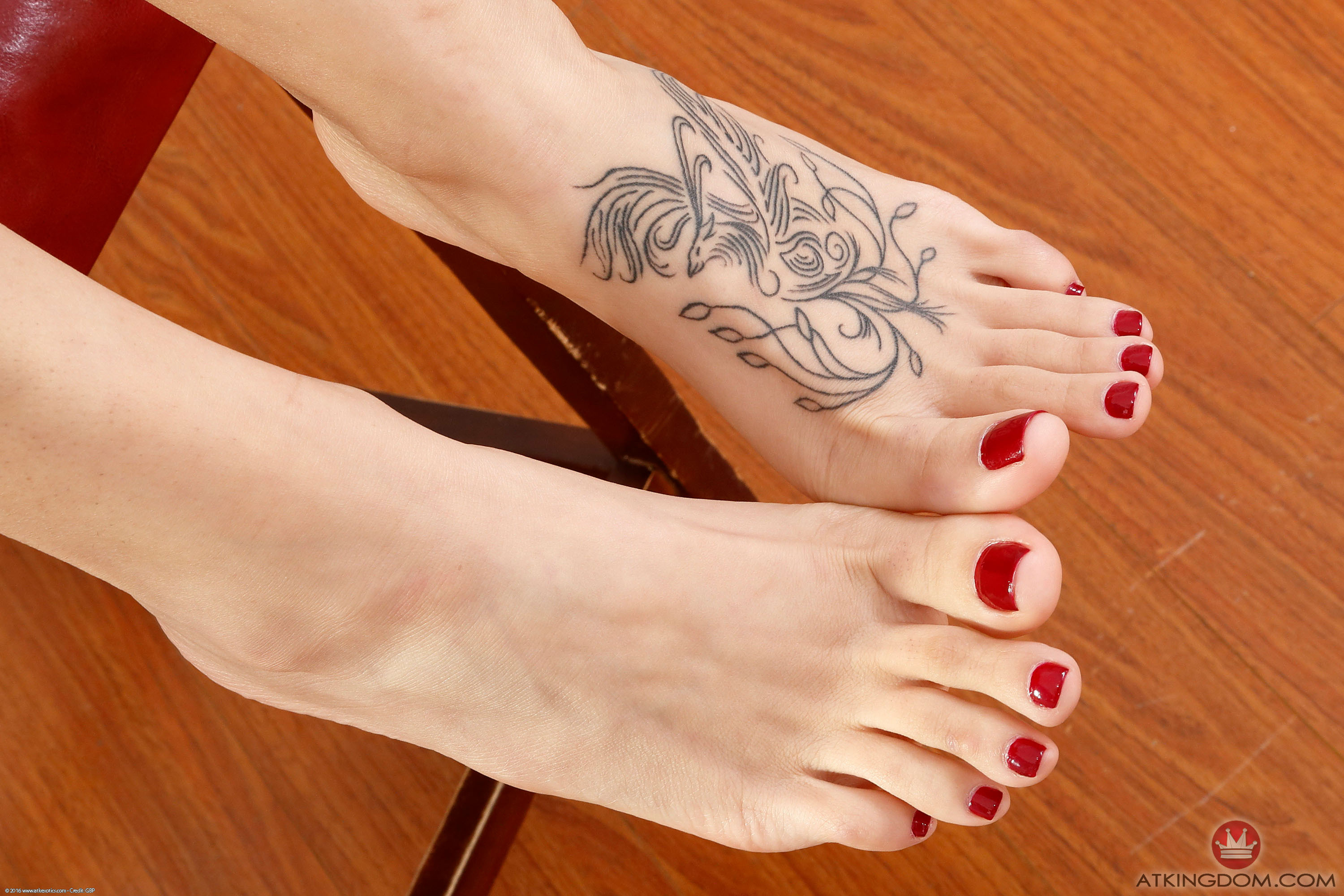 Audrey royal feet