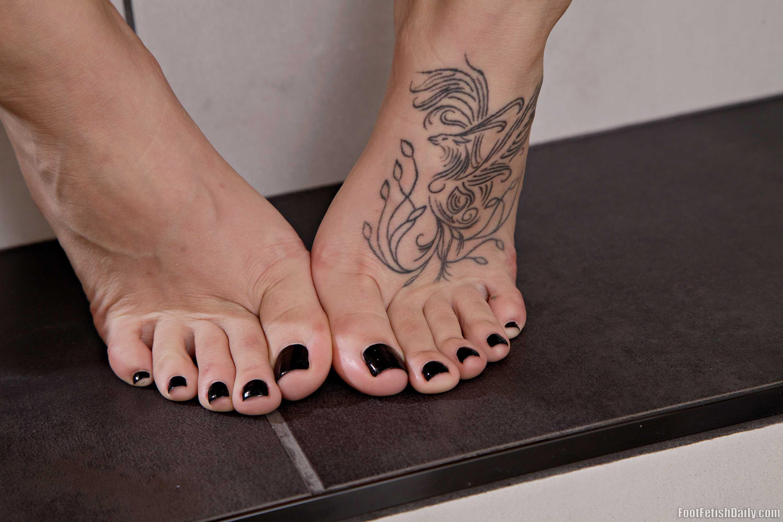 Audrey royal feet