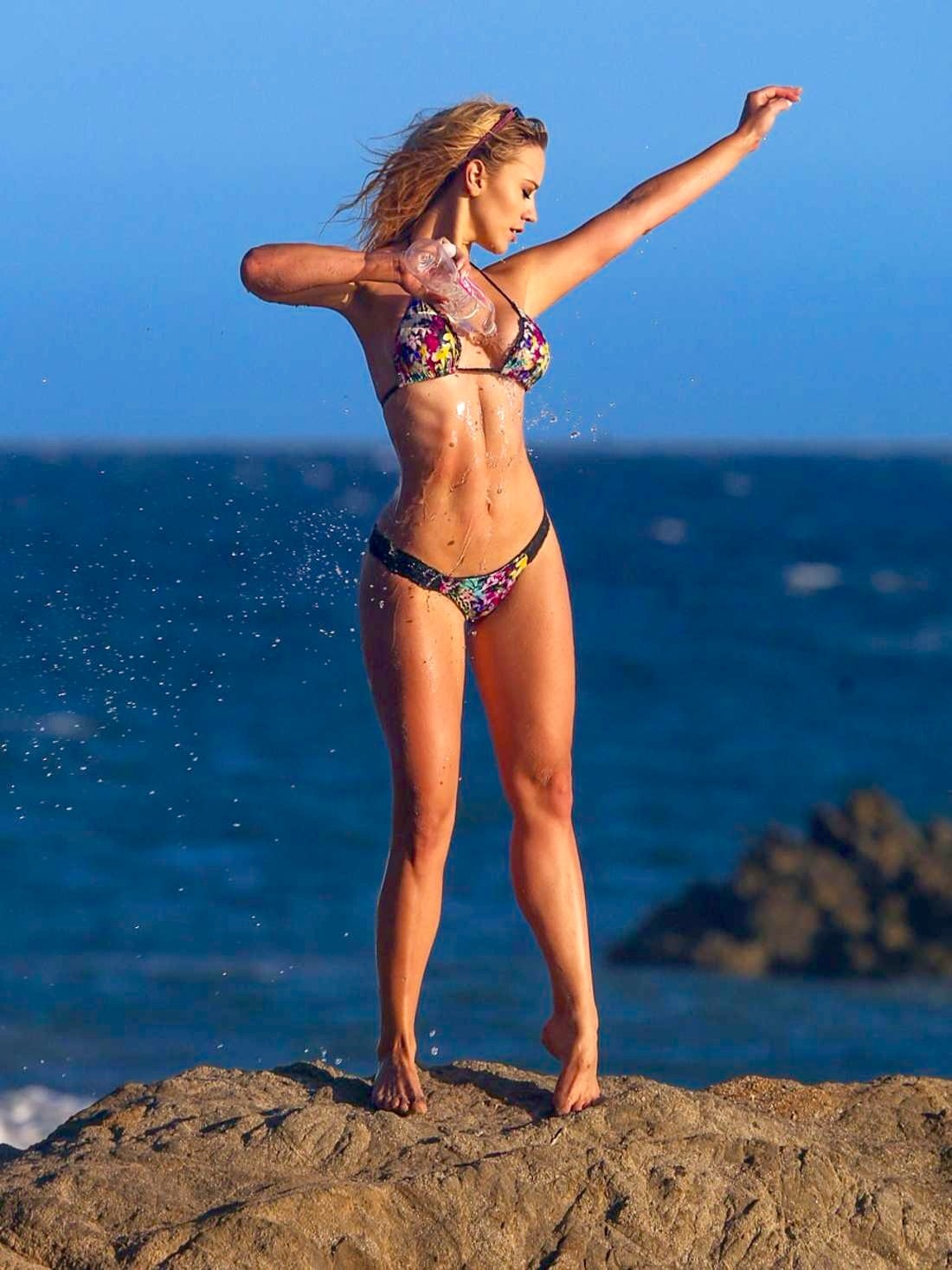 Feet Ava Lange nudes (46 photos), Ass, Paparazzi, Instagram, in bikini 2020