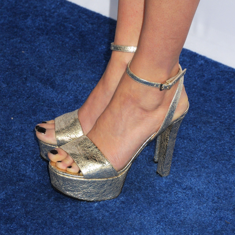 Bel Powleys Feet Wikifeet