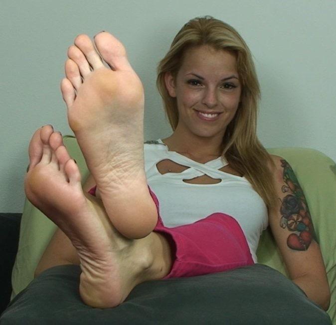 Latina Self Foot Worship
